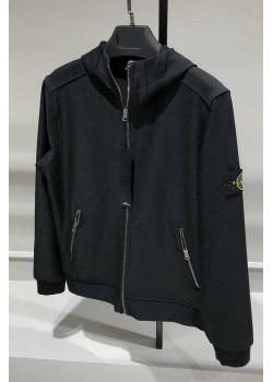 Мужская чёрная куртка с патчем на плече