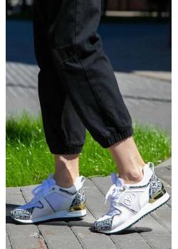 Женские брендовые кроссовки белого цвета