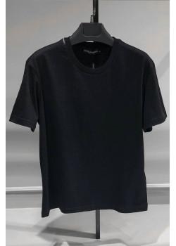 Чёрная мужская футболка