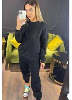 Женский костюм чёрного цвета