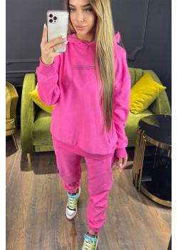 Женский брендовый костюм розового цвета