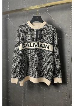 Женский свитер бежевого цвета
