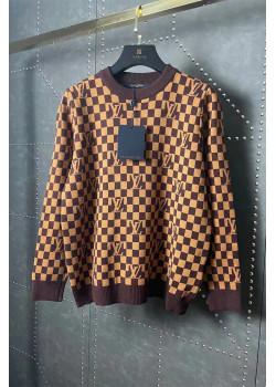 Брендовый женский свитер коричневого цвета