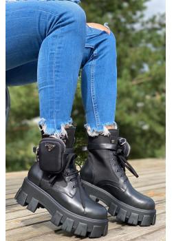 Кожаные женские ботинки чёрного цвета