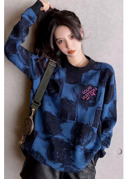 Женский брендовый свитер синего цвета