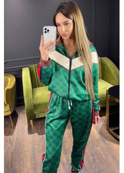 Женский брендовый костюм зелёного цвета