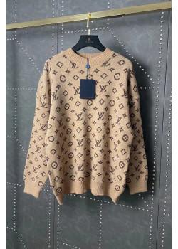 Женский брендовый свитер бежевого цвета