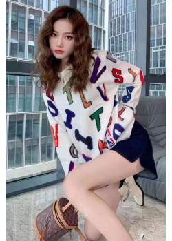 Женский брендовый свитер белого цвета