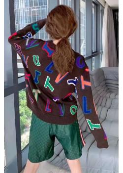 Женский брендовый свитер коричневого цвета