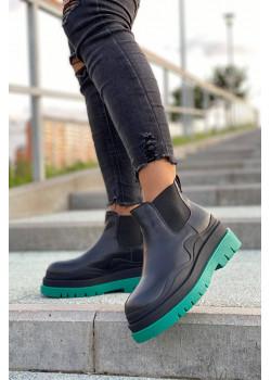 Женские кожаные ботинки чёрного цвета