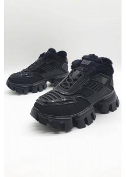Женские чёрные кроссовки с мехом
