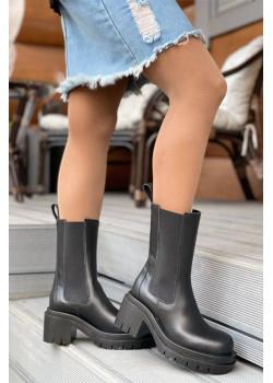 Кожаные ботинки чёрного цвета