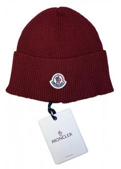 Брендовая шапка бордового цвета