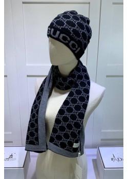 Брендовый комплект из шапки и шарфа