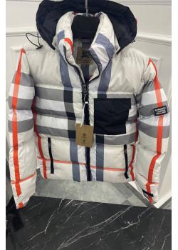 Утеплённая серая куртка с капюшоном
