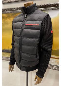 Чёрная оверсайз куртка с вязанными рукавами