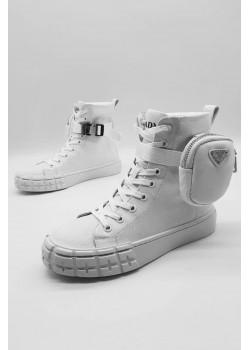 Женские высокие кроссовки белого цвета