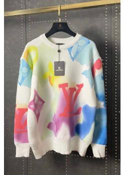 Удлинённый женский свитер