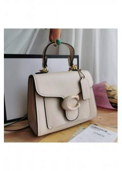 Кожаная белая сумка Coach 17x20 см