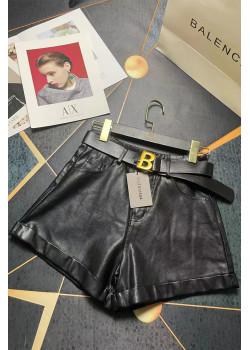 Женские чёрные шорты