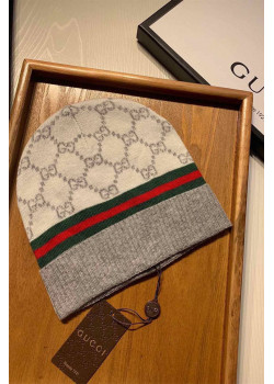 Брендовая шапка - Light Grey / Red / Green